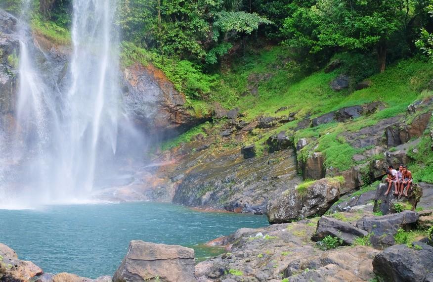 Daya Tarik Wisata di Pulau Flores dan Liburan Khusus