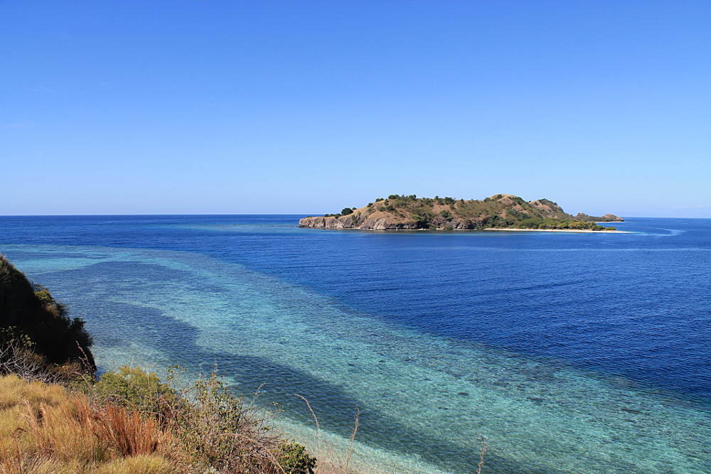 17-islands-riung-reef-view
