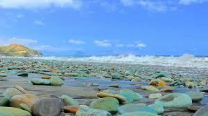 blue stone beach (penggejawa beach)