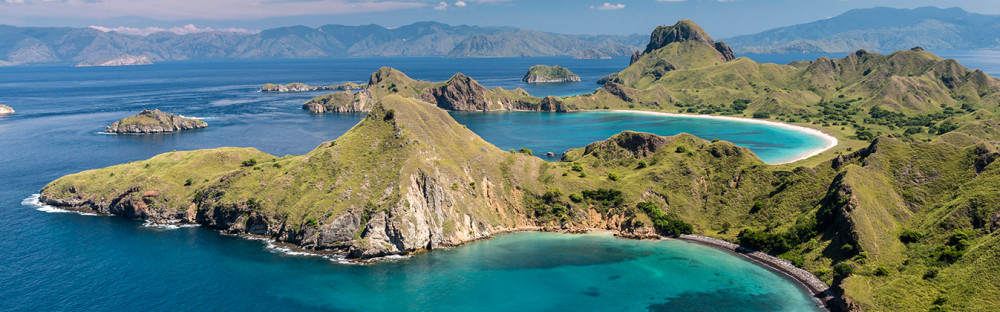 komodo-flores-beach-indonesia-heroimage